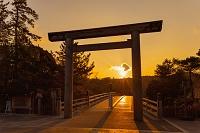 三重県 朝の伊勢神宮 大鳥居と宇治橋