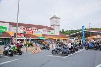 奈良県 道の駅・針テラスに集うライダーとオートバイ