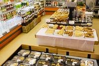 スーパーの総菜コーナー