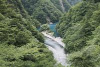 静岡県 寸又峡の大間ダム湖に架かる夢の吊り橋