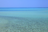 沖縄県 コバルトブルーの海と青空