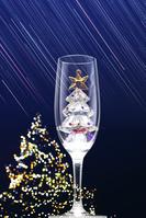 シャンパングラスにクリスマスツリーのクリスタル