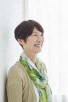 日本人のシニア女性の横顔