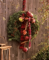 壁にかけるクリスマスリース