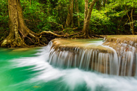 タイ エラワンの滝