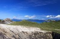沖縄県 渡嘉敷島 海食崖と阿嘉島と離島