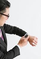 アップルウォッチをつけている日本人ビジネスマン 時計