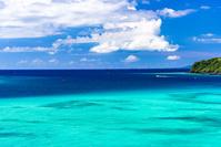 沖縄県 古宇利島 エメラルドグリーンの海
