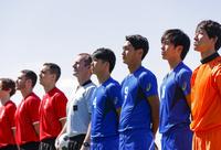 整列するサッカー選手