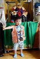 子供の成長 男の子(3才) こどもの日にサムライ姿になる