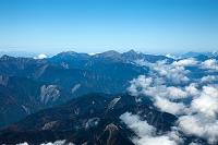 静岡県 赤石山脈の山並み 大無間山より後方赤石岳 北岳方面