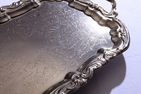 銀製のトレー