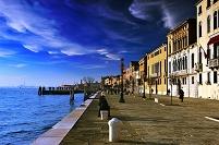 イタリア ベネチアの運河と町並み