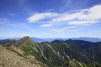 静岡県と山梨県の県境 間ノ岳から望む北岳と甲斐駒ケ岳と鳳凰三山