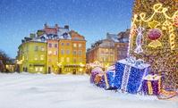 ポーランド クリスマスのワルシャワ旧市街