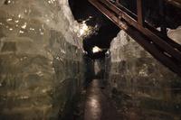 山梨県 鳴沢氷穴の内観