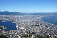 北海道 薄い雲と函館の街