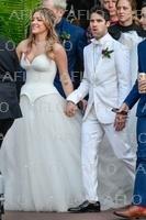 ダレン・クリスがミア・スワイアーと結婚