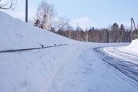 北海道 ガードケーブルと雪