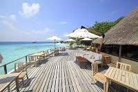 モルディブ 海辺のテラス マクヌドゥ