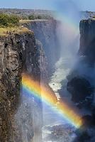 ザンビア 虹とヴィクトリアフォールズ
