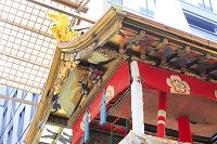 京都府 祇園祭 長刀鉾の鯱と前屋根の厭舞の彫刻