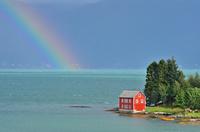 ノルウェー 海にかかる虹