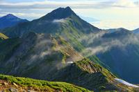 山梨県 間ノ岳から北岳と甲斐駒ケ岳