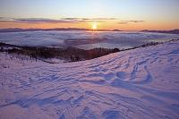 北海道 雲海の屈斜路湖の日の出
