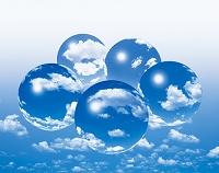 空と雲と球体