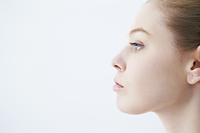 白人女性の横顔
