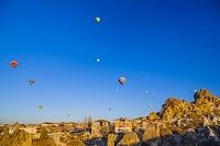 トルコ カッパドキア オルタヒサール 熱気球