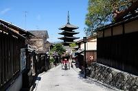 京都府 法観寺・八坂の塔と人力車