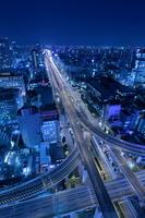 大阪の街並みの夜景