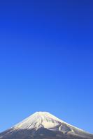 静岡県 越前岳より望む朝の富士山と宝永火口