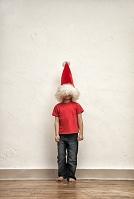 クリスマスを過ごす男の子