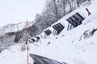 新潟県 豪雪地帯のなだれ防止柵