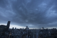 大阪府 大阪市内を覆う雨雲