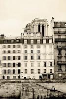 フランス パリ セーヌ河沿いの建物