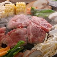 鍋の上のジンギスカン 食べ物 料理