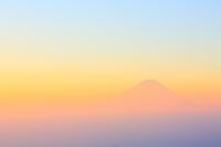 山梨県 甘利山 夜明けの富士山と雲海