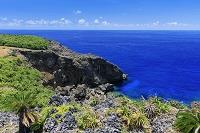 沖縄県 断崖と青い海 南牧場 与那国島