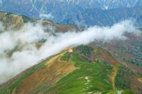 長野県 稜線を越える雲