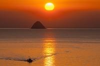 愛媛県 百貫島と朝日