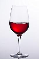 赤ワインが入っているグラス