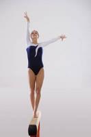 新体操 平均台 女子
