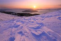 北海道 美幌峠から朝焼けの屈斜路湖と日の出
