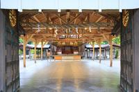 福岡県 宗像大社(辺津宮) 神門より望む拝殿