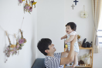 赤ちゃんと父親