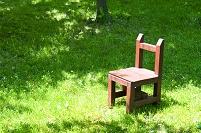 木陰の椅子